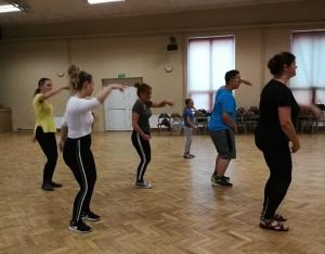 """Warsztaty taneczne w ramach projektu """"Integracja w rytmie hip-hop"""""""